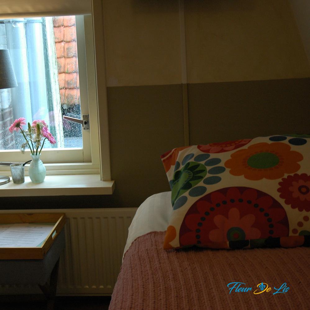 Bed Iris Fleur de Lis in Bergen (aan Zee)